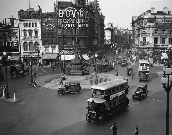 evolucion-publicidad-edificios-london-piccadilly-1933