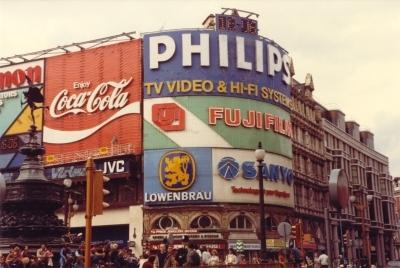 evolucion-publicidad-edificios-london-piccadilly-1980