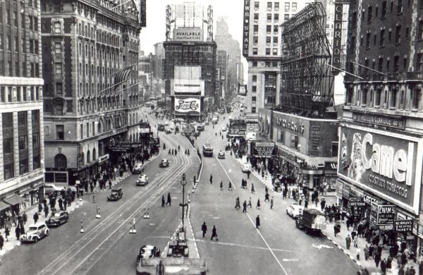 evolucion-publicidad-edificios-new-york-times-square-1940