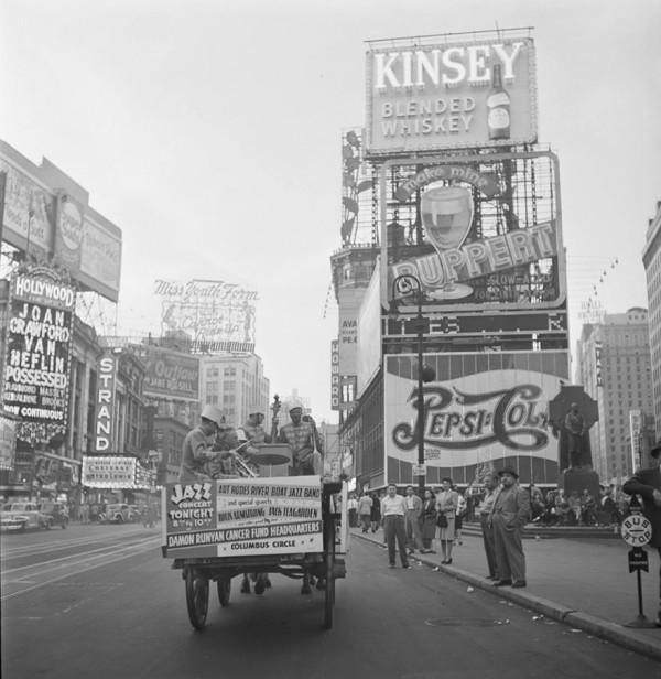 evolucion-publicidad-edificios-new-york-times-square-1947