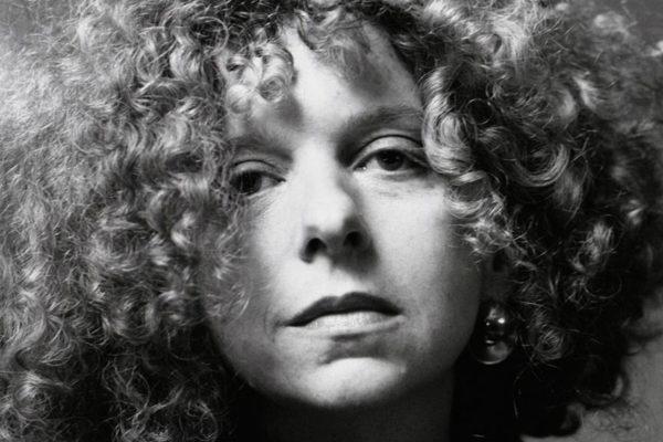 Retrato de Bárbara Kruger