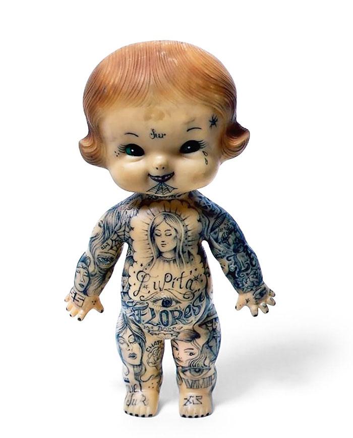 Muñeca tatuaje Dr. Lakra